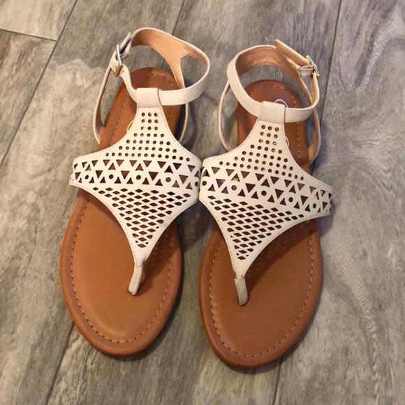 9975537723564 NWOB Jessica Simpson sandals 💕